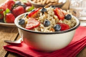 Oatmeal with berries2.jpg