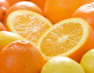 high-cholesterol-foods-that-lower-cholesterol-gallery-oranges-320.jpg