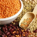 high-cholesterol-foods-that-lower-cholesterol-gallery-beans-and-lentils-320.jpg