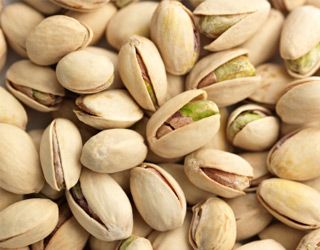 high-cholesterol-foods-that-lower-cholesterol-gallery-pistachio-nuts-320.jpg